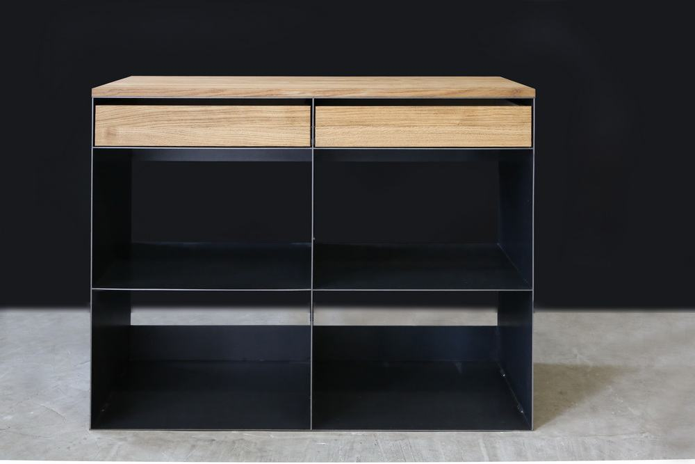 sideboard aus stahl abdeckung und schubladen aus eiche. Black Bedroom Furniture Sets. Home Design Ideas