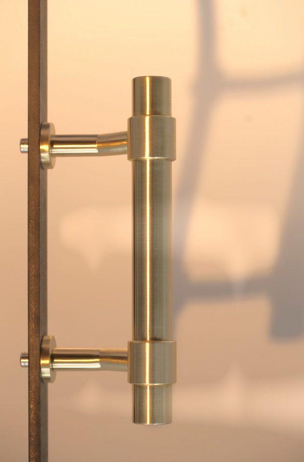wundersch ner t rgriff aus patiniertem tombak. Black Bedroom Furniture Sets. Home Design Ideas