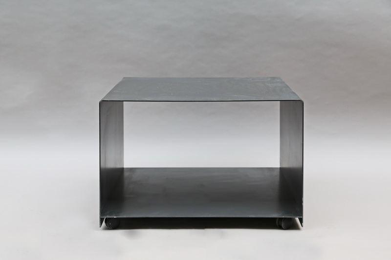 rollbarer drucker tisch aus 3 mm zunderstahl. Black Bedroom Furniture Sets. Home Design Ideas