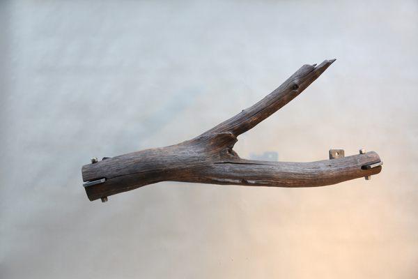 Gardinenstange Aus Einem Baumstamm