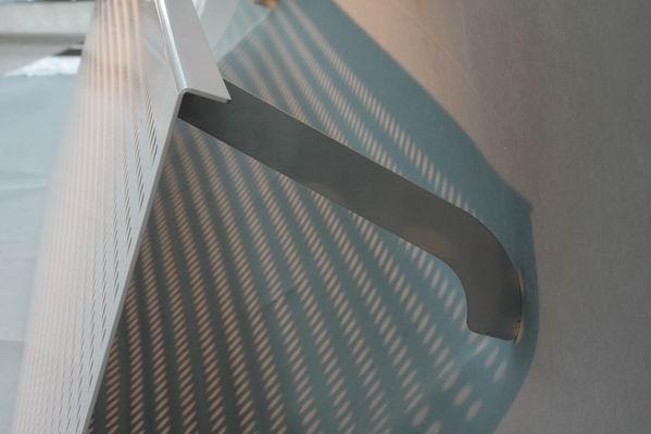 schlichte heizk rperverkleidung aus edelstahl. Black Bedroom Furniture Sets. Home Design Ideas