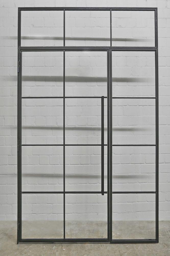 Türe im Industrial Design mit Seitenteil und Oberlicht