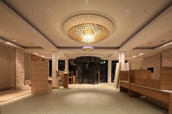 Weitere Bilder. Kronleuchter Für Das Foyer ...