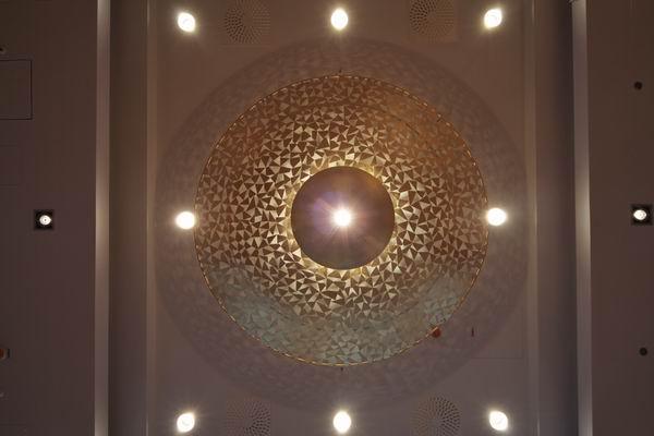 ... Kronleuchter Für Das Foyer Im Ramada Hotel In Berlin Am Alexanderplatz
