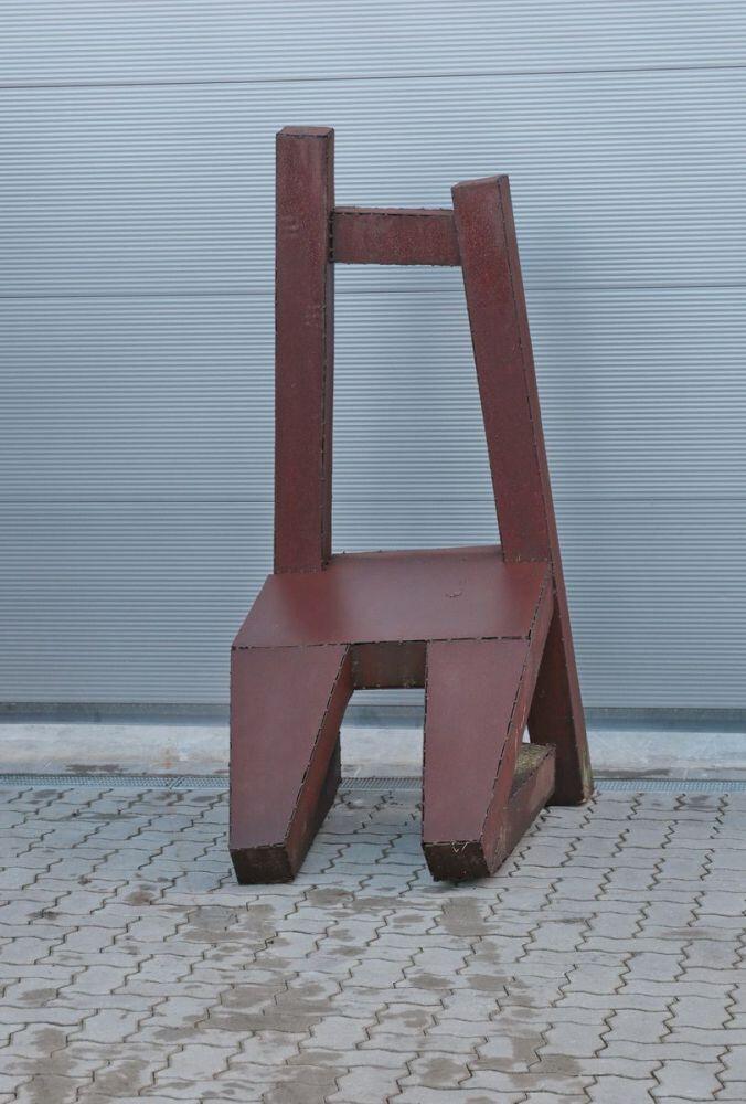 skulptur living chair aus rostigem stahl. Black Bedroom Furniture Sets. Home Design Ideas