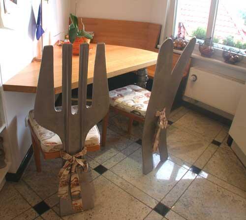 messer und gabelstuhl k chenst hle aus aluminium gegossen. Black Bedroom Furniture Sets. Home Design Ideas