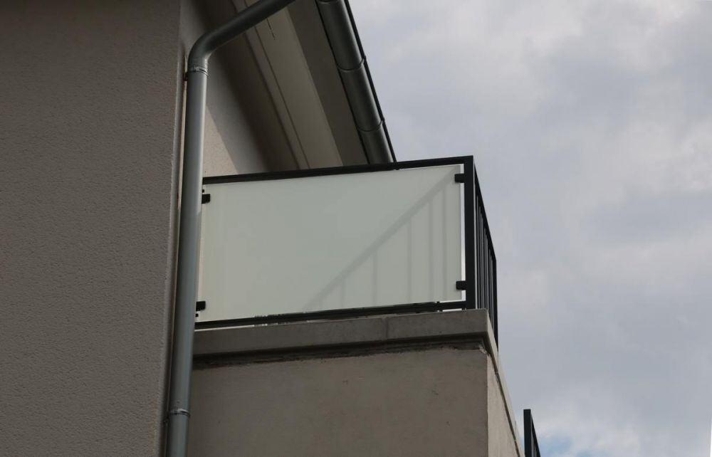 Wind Und Sichtschutz Für Terren Aus Glas | Wind Und Sichtschutz Mit Blickdichtem Glas
