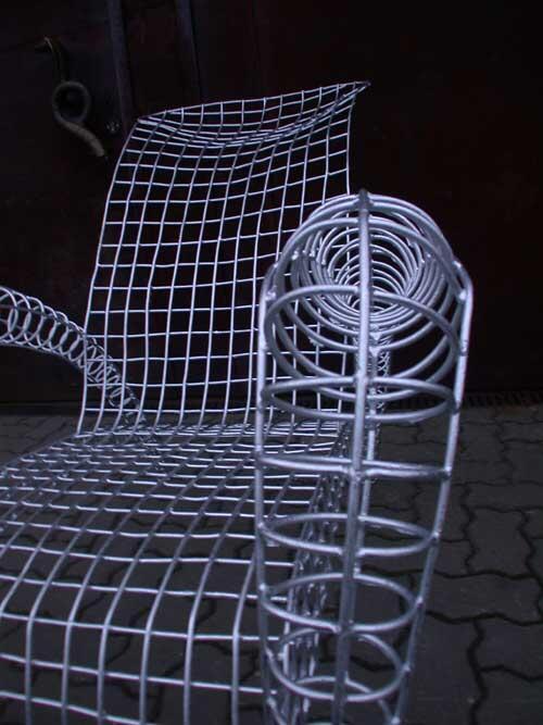 stuhl skulptur aus 5 mm rundeisen feuerverzinkt. Black Bedroom Furniture Sets. Home Design Ideas