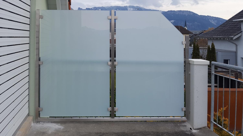 Sicht Und Windschutz Aus Edelstahl Mit Satiniertem Sicherheitsglas