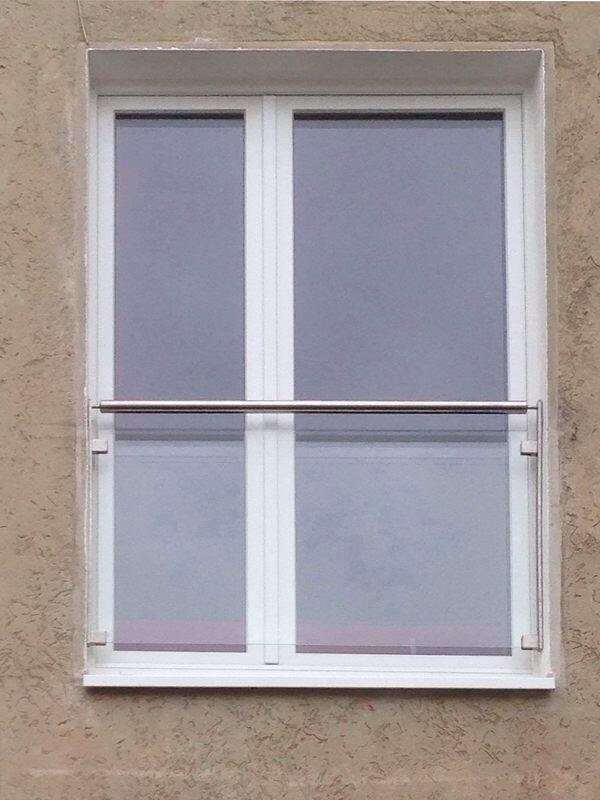 französischer Balkon aus Glas und Edelstahl