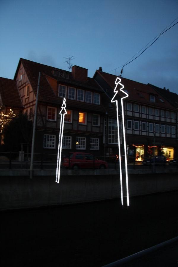 Kunstschmiede Weihnachtsbeleuchtung.Tannenbäume über Der Lamme In Bad Salzdetfurth Ganz Wunderbare Weihnachtsbeleuchtung