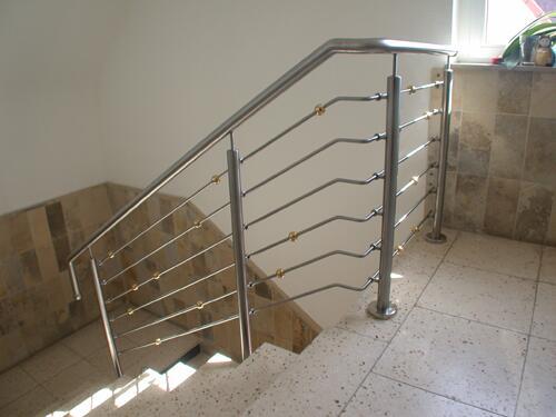 Bevorzugt Treppengeländer mit Messingkugeln, Preis per lfm QA44