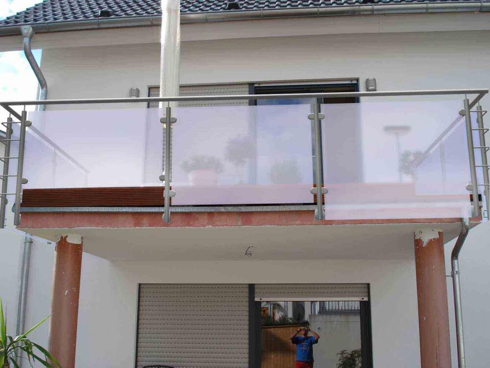 Balkongel nder mit sichtschutz und windschutz - Sichtschutz edelstahl ...