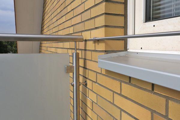 blumenkastenhalterung f r die fensterbank aus 12 mm. Black Bedroom Furniture Sets. Home Design Ideas