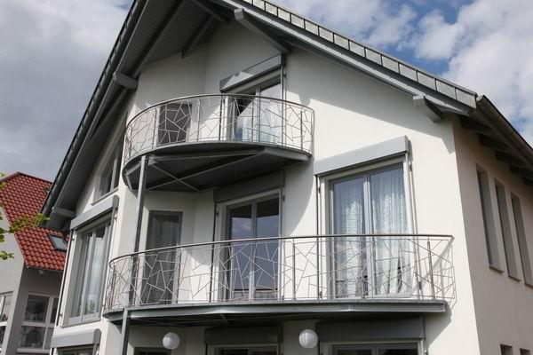 balkongel nder aus edelstahl mit einer aufgedruckten. Black Bedroom Furniture Sets. Home Design Ideas