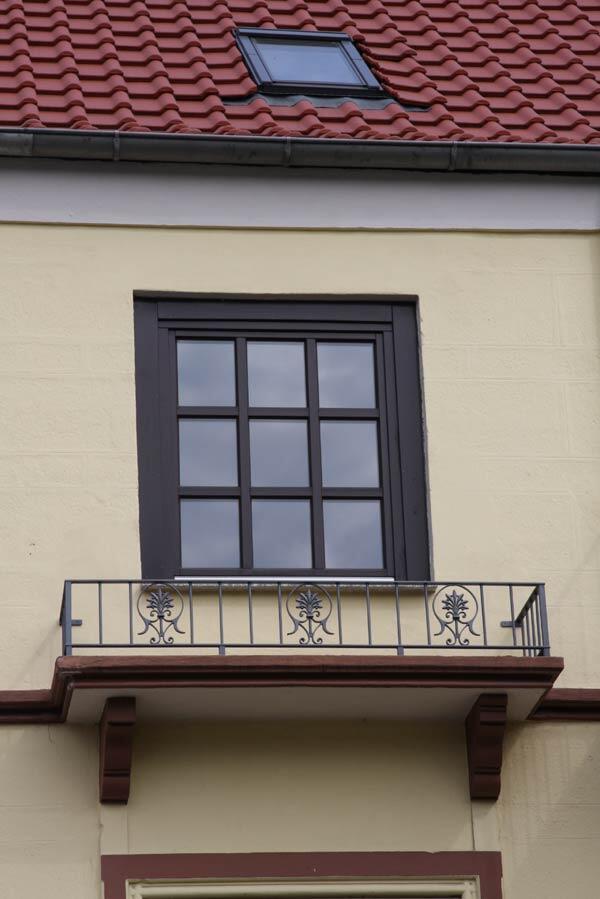balkongel nder aus feuerverzinktem stahl preis per lfm. Black Bedroom Furniture Sets. Home Design Ideas