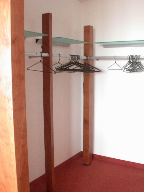 wandbefestigte garderobe minotaurus aus stahl geschmiedet. Black Bedroom Furniture Sets. Home Design Ideas