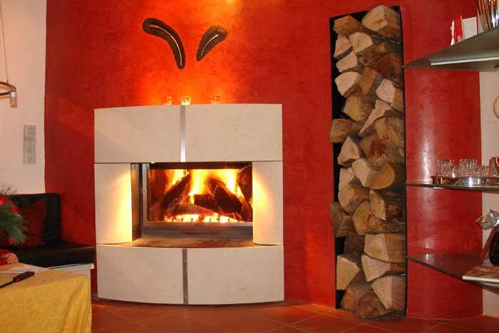 kaminverkleidung aus naturstein sicherheitsglas stahl und edelstahl. Black Bedroom Furniture Sets. Home Design Ideas