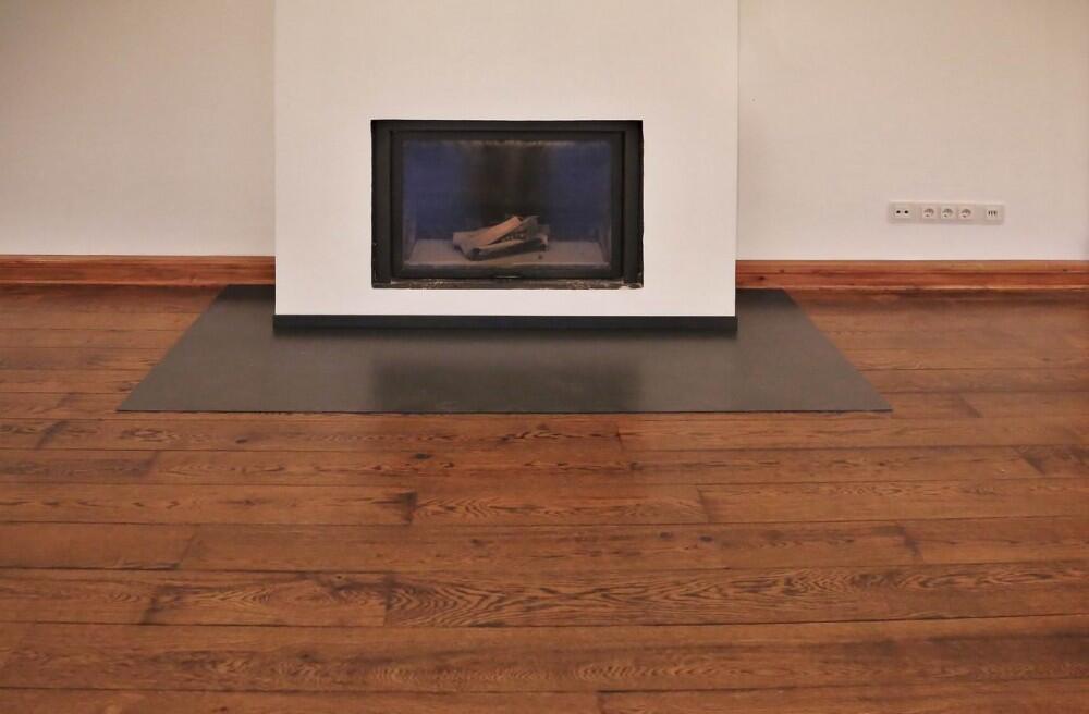 kamin bodenblech aus zunderstahl. Black Bedroom Furniture Sets. Home Design Ideas