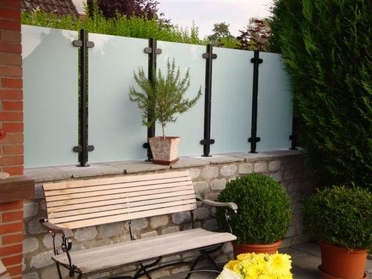windschutz mit blickdichtem glas. Black Bedroom Furniture Sets. Home Design Ideas