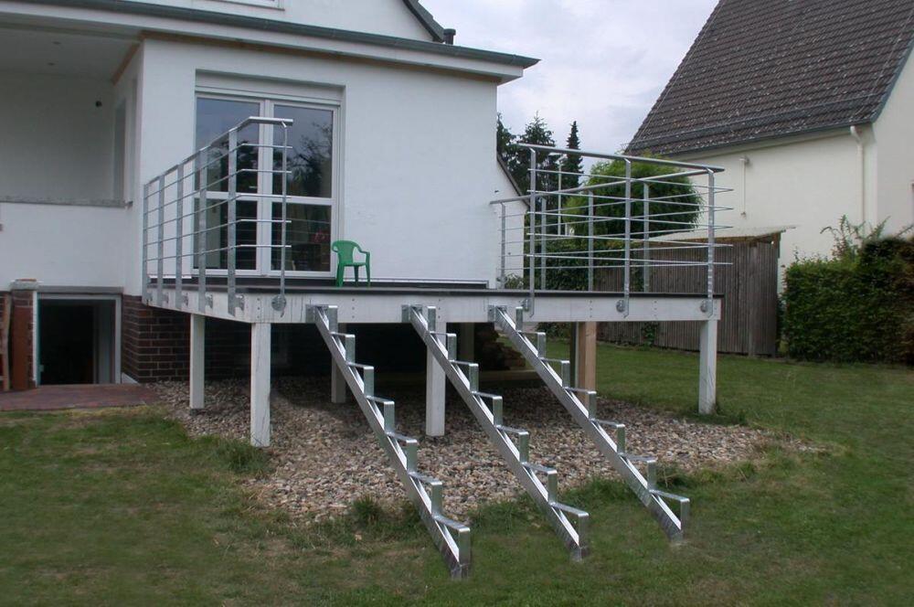 terrassengel nder aus verzinktem stahl mit edelstahlhandlauf. Black Bedroom Furniture Sets. Home Design Ideas