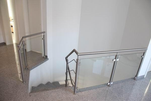 qualit tsvolles treppengel nder aus edelstahl preis per lfm. Black Bedroom Furniture Sets. Home Design Ideas