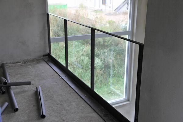 treppengel nder und br stungsgel nder mit einem. Black Bedroom Furniture Sets. Home Design Ideas