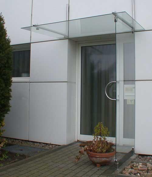 vordach und seitlicher regenschutz aus sicherheits glas und edelstahl. Black Bedroom Furniture Sets. Home Design Ideas