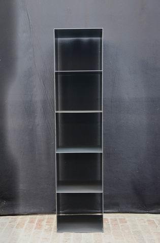 regal f r weinflaschen aus stahl. Black Bedroom Furniture Sets. Home Design Ideas