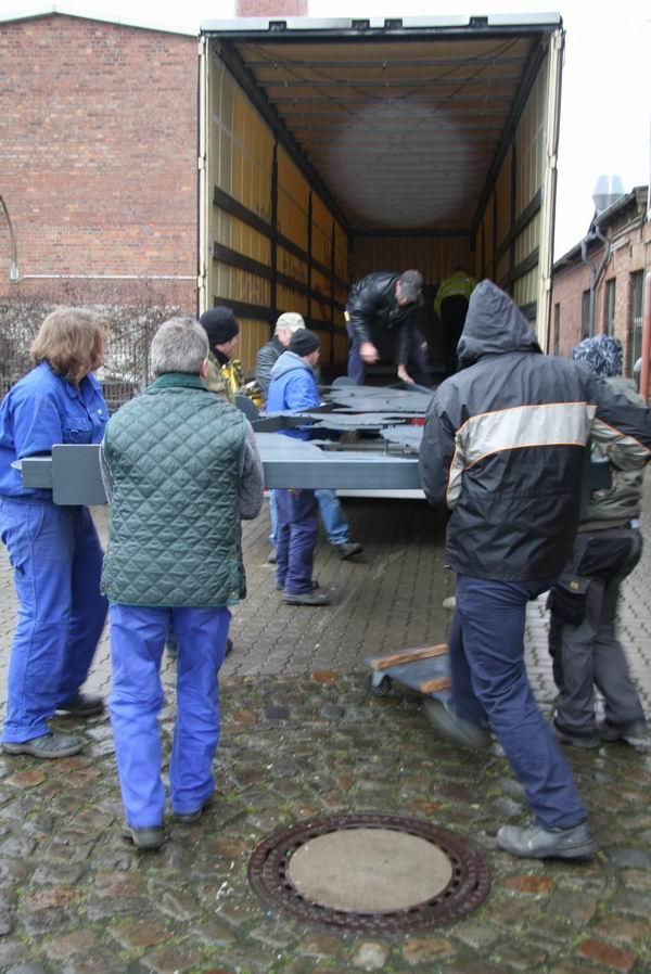 Verladen Der Neuen Attraktionen F R Den Winterzoo Hannover