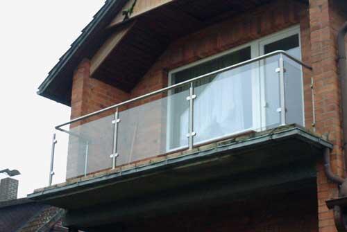 balkongel nder aus edelstahl und glas edelstahlgel nder. Black Bedroom Furniture Sets. Home Design Ideas
