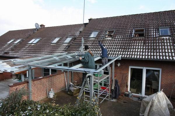 Montage Eines Terrassen Dach Aus Feuerverzinktem Stahl Und