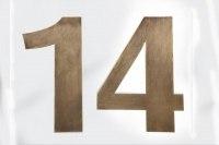 Schicke Hausnummer aus Tombak gefertigt