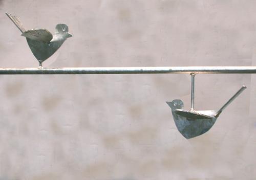 Fenstergitter mit 2 feuerverzinkten Vögeln