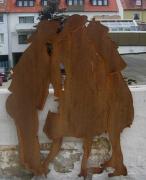 Skulpturengruppe aus rostigem Eisen