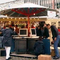 Schirm aus Aluminium mit Stahlmöbeln für den Kommunalverband Großraum Hannover KGH