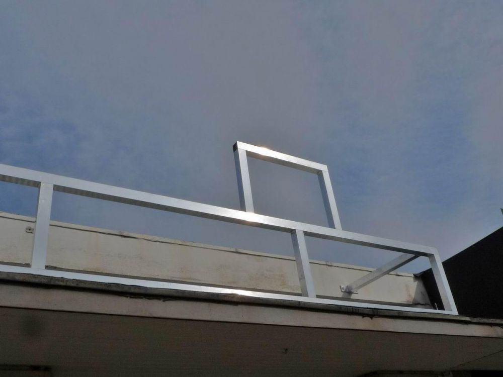 aluminium unterkonstruktion f r ein werbeschild. Black Bedroom Furniture Sets. Home Design Ideas
