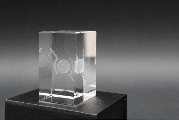 Dreidimensional gelasertes Glas