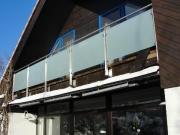 Balkongeländer aus Edelstahl, satiniertes Glas
