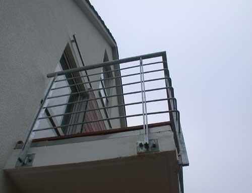 balkongel nder aus verzinktem stahl preis per lfm. Black Bedroom Furniture Sets. Home Design Ideas