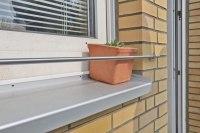 Blumenkastenhalterung für die Fensterbank aus 12 mm Edelstahl Vollmaterial