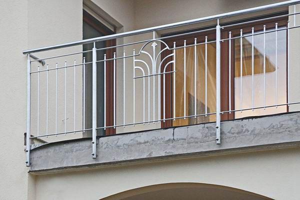 balkongel nder schmuckornamente aus feuerverzinktem stahl. Black Bedroom Furniture Sets. Home Design Ideas