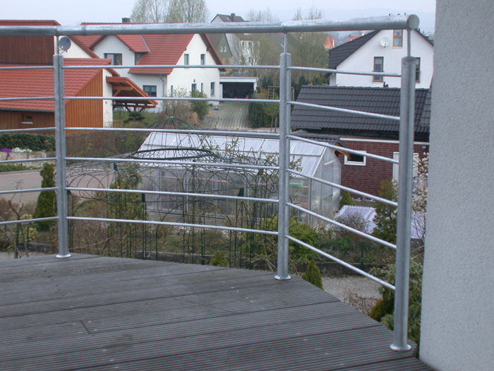 balkon gel nder aus feuerverzinktem stahl. Black Bedroom Furniture Sets. Home Design Ideas