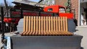 Doppelkopf Bank aus verzinktem Stahl und Eichenholz