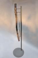 geflämmte Baumstamm Garderobe mit einem Stahlfuß