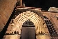 Anstrahlung des Portals der Michaeliskirche in Hildesheim