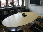Besprechungstisch im Büro des Oberbürgermeisters in Hildesheim