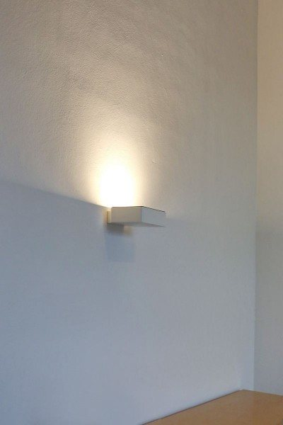 wandhängender LED Deckenfluter