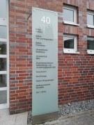 beschriftete Stele für die Bettels Holding in Hildesheim
