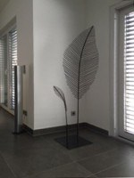 Zwei feingeäderte Blätter aus 5 mm Rundeisen